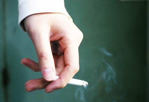 smoking_hand_1
