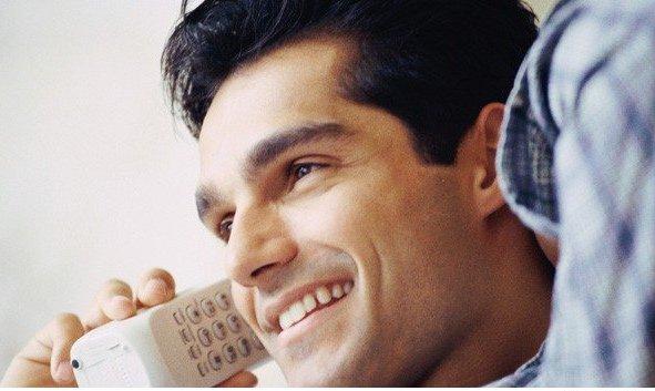 Hablando-por-teléfono-